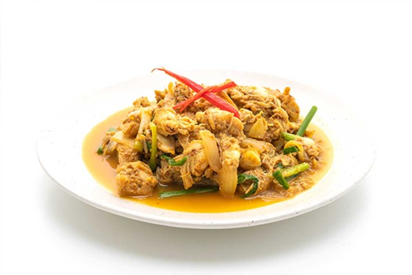 Stir-Fried Yellow Curry Sauce/Powder or 'Pong Karee'