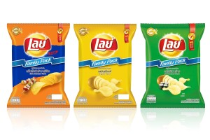 LAYS Potato Chips in Variety of Flavors, Family Packs 158 Grams